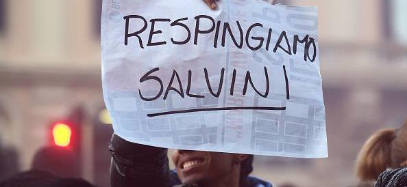 Sassi contro Salvini. A chi conviene il ritorno agli opposti estremismi?