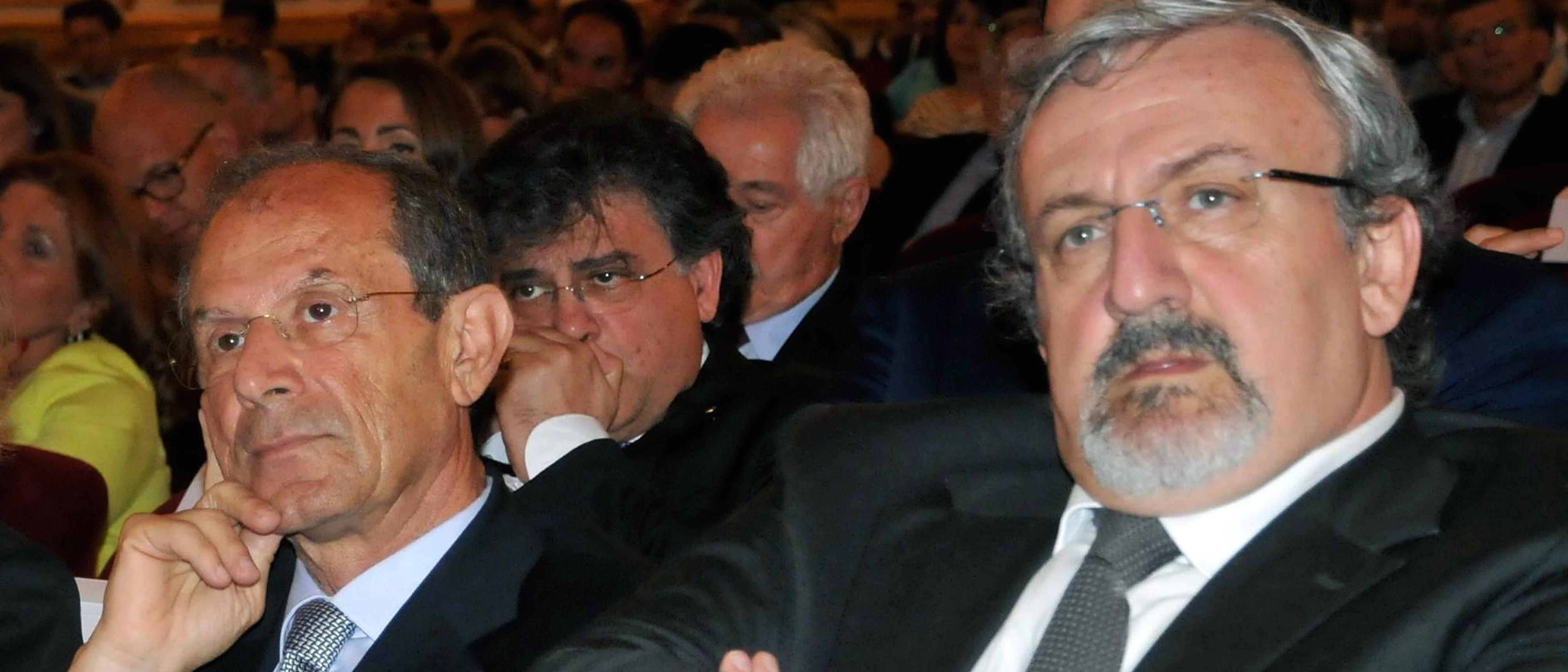Francesco Schittulli accanto a Michele Emiliano