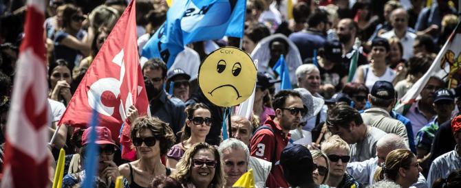 Scuola, il giorno più nero del governo Renzi: classi vuote, piazze piene