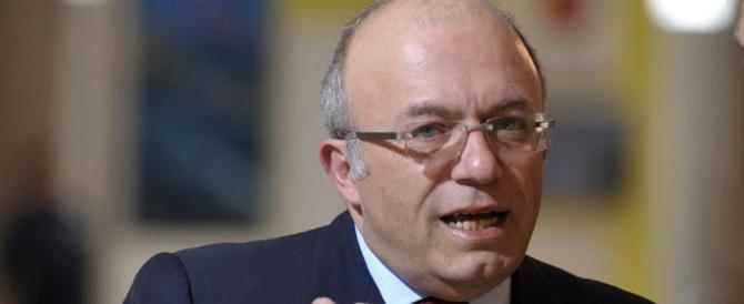 Storace attacca il pd Di Stefano: corre a votare l'Italicum inseguito dai pm
