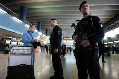 Tre algerini fuggono dal volo durante il decollo: allerta terrorismo a Fiumicino