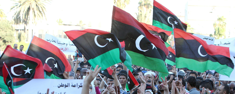 Manifestazione a Tripoli contro l'estremismo islamico