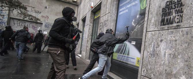 Violenze Expo: la giunta lombarda fa causa ai centri sociali