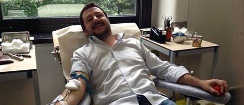Salvini dona il sangue: «Spero vada a uno straniero che ne ha bisogno»