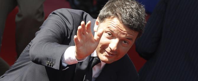 """Renzi euforico: """"L'Italia decolla"""". Ma nessuno se ne è ancora accorto"""