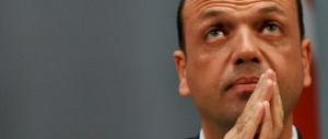 """Rivolta Ncd: """"Basta con Renzi"""". Ma Alfano corre in soccorso del premier"""