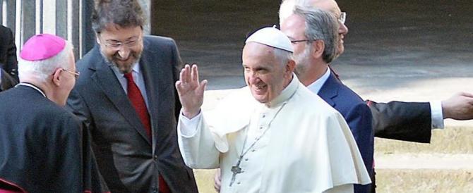 Papa Francesco chiede «perdono». Ma i valdesi: «La storia non cambia»