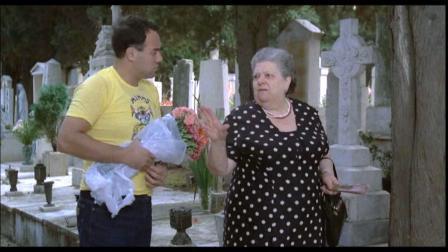 Auguri, sora Lella, per i tuoi 100 anni: «Er monno va male, famose 'na risata»