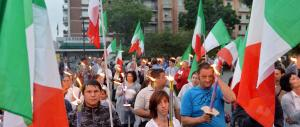 """""""Fuori le belve, i profughi a casa di Fassino"""": fiaccolata a Torino di FdI"""