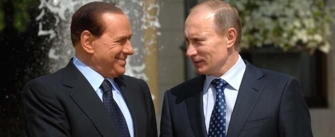 Putin dà uno schiaffo a Renzi: «Voglio incontrare Silvio Berlusconi»
