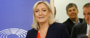 Marine Le Pen crea il suo eurogruppo e l'emiro del Qatar la denuncia