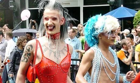 Gay Pride, Londra dice no alle bandiere arcobaleno nelle ambasciate