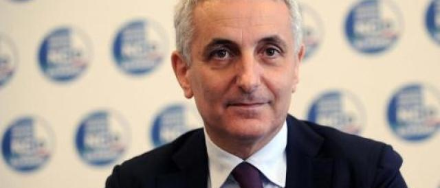 Ora Ncd va in pressing sul governo: «Via l'Italicum o usciamo»