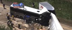 Tragedia in Pennsylvania: bus di turisti italiani contro un tir (VIDEO)