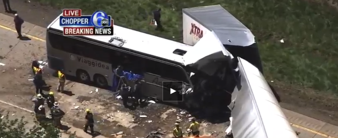 Tragedia in Pennsylvania: bus di turisti italiani contro un tir (VIDEO)