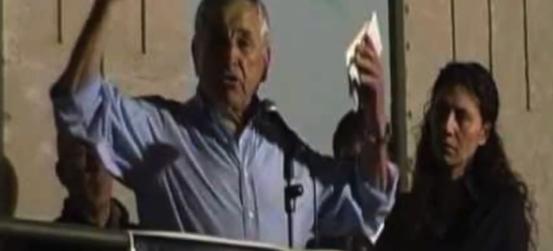 Sicilia, sindaco ex Pd grida nell'aula del comune: gli sbirri ci fanno schifo