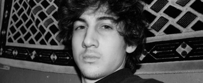 Boston, il terrorista della maratona ride in tribunale davanti alle vittime