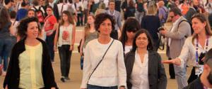 """Agnese Renzi in visita """"privata"""" alla Sindone. Strano, c'erano i giornalisti"""