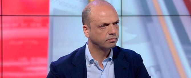 Sette miliardi di euro per la famiglia: la proposta di Alfano scuote la maggioranza