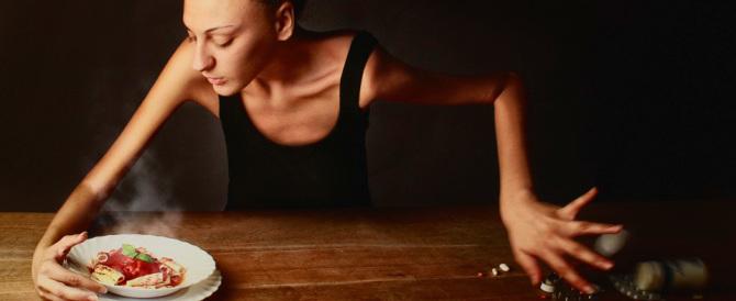 Salute, per anoressia e bulimia età sempre più bassa: casi già a 8 anni