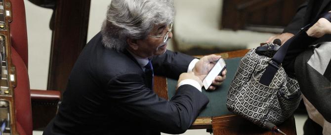 Antonio Razzi va con il Pd? «Dormite tranquilli, io non tradisco Berlusconi»