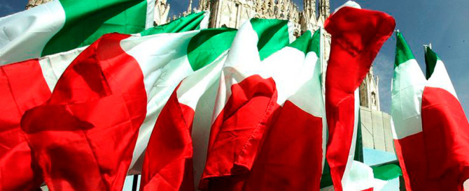 «Renzi ha violentato la democrazia»: il centrodestra unito per il No