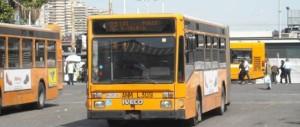 Napoli, altra violenza: autista di un bus aggredito e rapinato da due banditi
