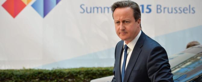 Immigrazione, Cameron pronto a bloccare i barconi ma la Ue tentenna