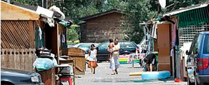 """Due rom rapinano una disabile in carrozzella. E i """"buonisti"""" stanno zitti"""