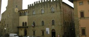 Arezzo torna al centrodestra dopo 9 anni. Vittoria azzurra a Pietrasanta