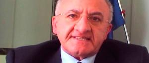 Campania, «'o Sceriffo» De Luca sotto accusa: «1000 nomine in 500 giorni»