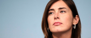 Elena Boschi dà uno schiaffo al Family Day: «Unioni gay, io vi benedico»