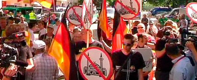 Schiaffo alla Merkel dal suo ministro: «L'Islam non è parte della Germania»