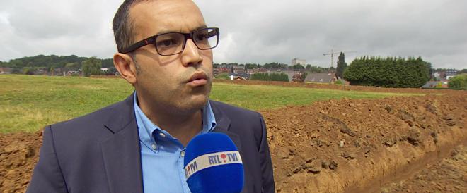 Belgio, deputato socialista scava un fossato anti-nomadi: così se ne vanno
