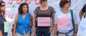 Scuola, la protesta continua: maturità in catene per i prof cagliaritani
