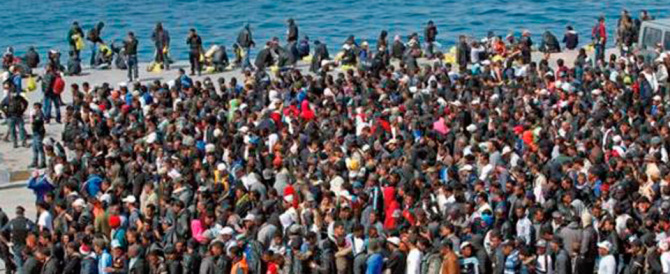 Migranti, le tesi buoniste non reggono più: quadruplicati gli arrivi dal 2014