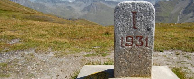 """Anche i francesi usano la ruspa. Per """"rubare"""" metri all'Italia sul Monte Bianco"""