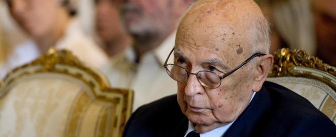Napolitano si lancia nella rissa tra partigiani e Pd: duro attacco all'Anpi