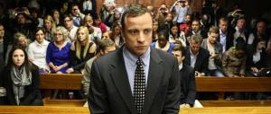 Pistorius libero dopo soli 10 mesi di carcere: aveva ucciso la fidanzata