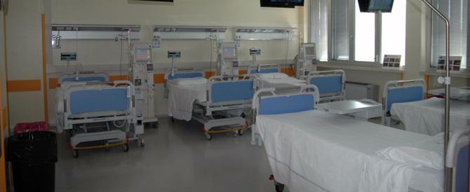 Con la crisi giù il numero di ospedali e posti letto. Sempre meno i pediatri