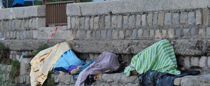 Profughi a Ventimiglia, nello sgombero due agenti rimangono feriti