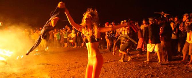 """Rave party, un altro morto: si """"fanno"""" liberamente e nessuno interviene"""