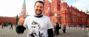 Salvini con la t-shirt di Putin: «Cretino chi gioca alla guerra»