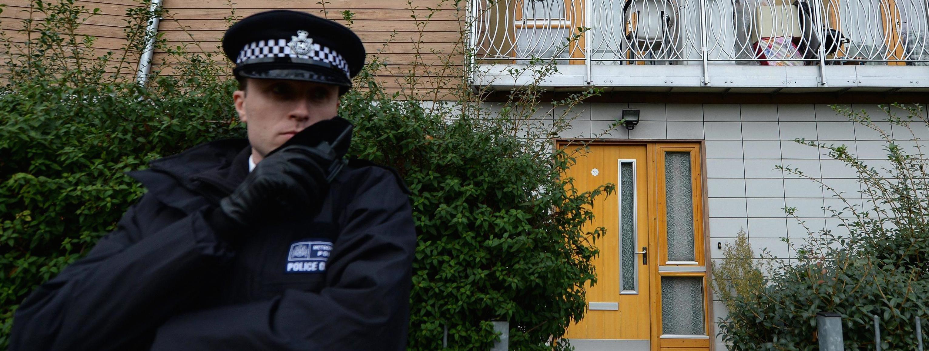 Un agente di guardia a Londra