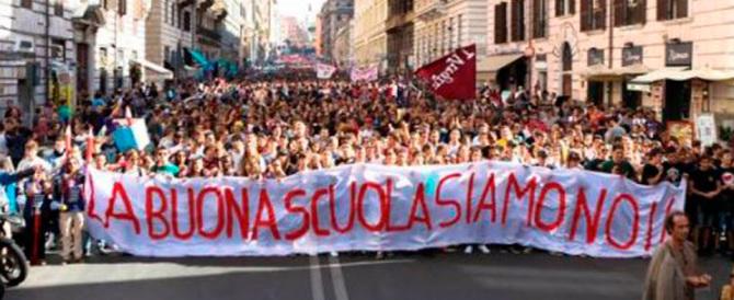 Scuola, chiamata alle armi: il 23 tutti in piazza, «non daremo tregua a Renzi»