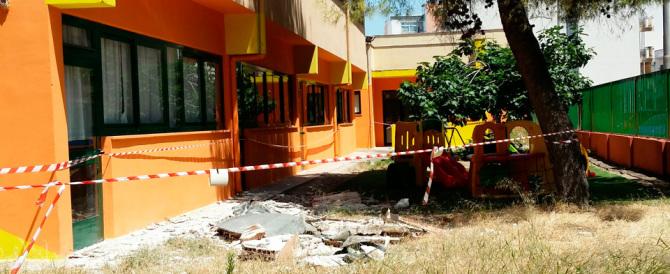 Tragedia sfiorata, crolla la pensilina di una scuola materna di Taranto