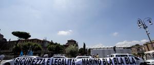 A Roma anche i taxi contro Marino: in corteo per chiedere più sicurezza