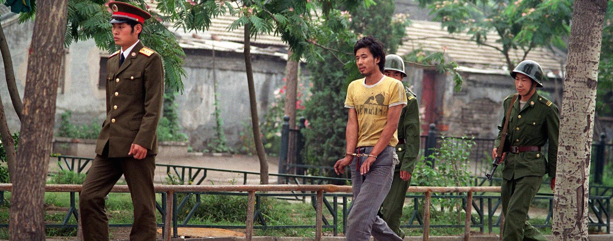 Un ragazzo arrestato in piazza Tienanmen