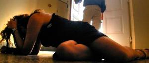 Picchia e costringe la compagna a 9 ore di rapporti sessuali: arrestato