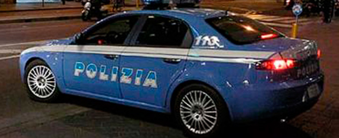 Giocavano a fare i gangster per strada: fermati a Verona cinque africani